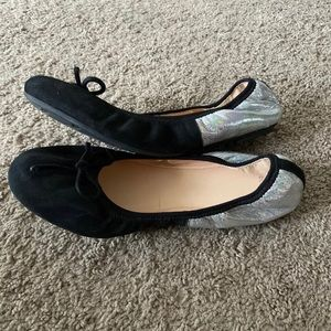 Cole haan women's flats shoes size 8. Worn once